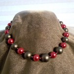 A pink and gray pearl necklace