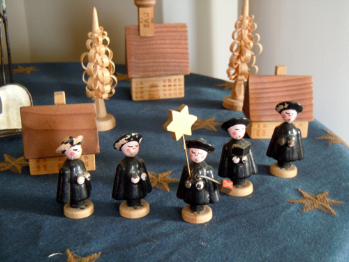 Little Carolers