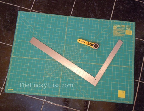 Cutting mat, rotary cutter and L square
